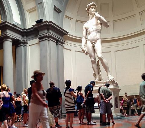 Статуя Давида в Галерее Академии