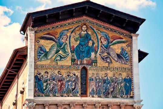 Лукку и Пизу можно посетить в рамках однодневной экскурсии из Флоренции