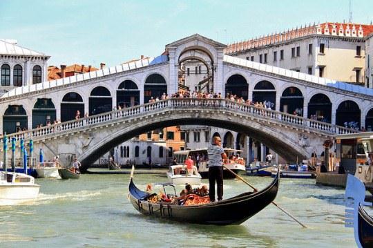 Стоимость поездки на гондоле в Венеции