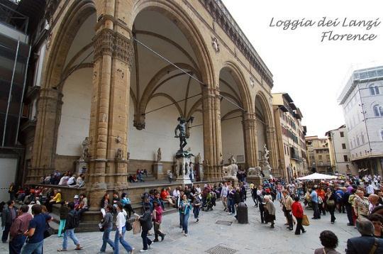 Лоджия Ланци, Флоренция