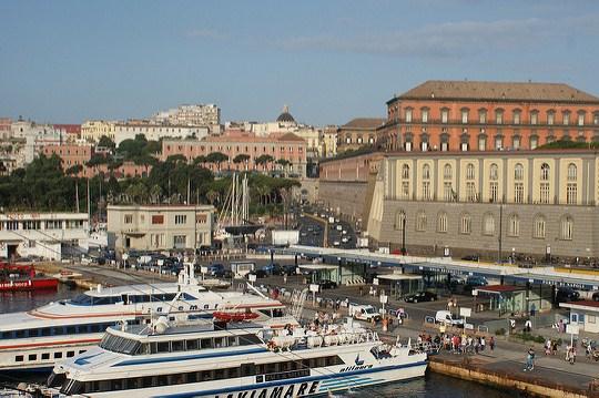 Морской порт Неаполя