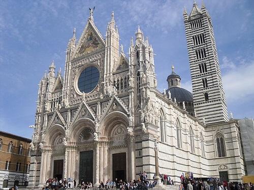Во время экскурсии из Флоренции вы увидите Сиенский кафедральный собор