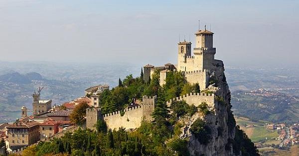 Гора Монте-Титано в Италии
