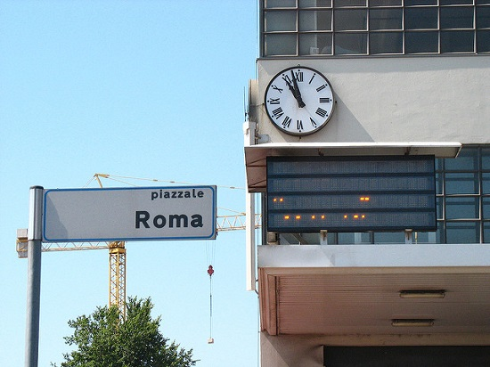 Парковка в Венеции на Пьяццале Рома