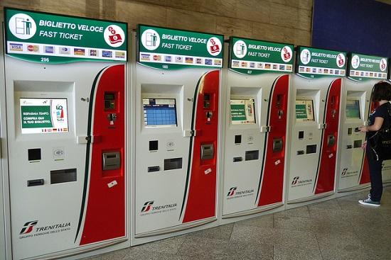 Автоматы для покупки билета на поезда в Италии