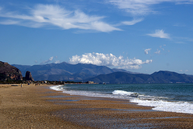 Пляжи в Террачине, Италия