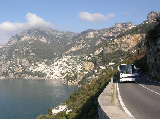 Автобус из Неаполя в Амальфи