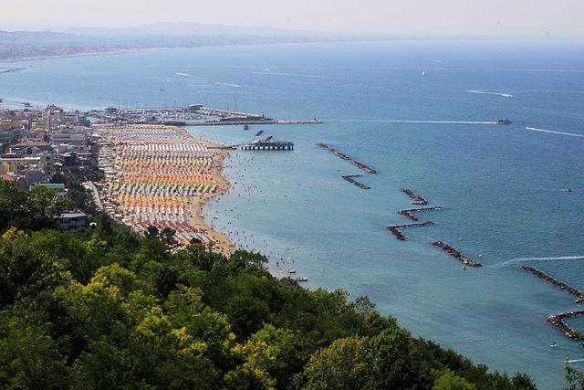 Пляжи в Каттолике подойдут для отдыха всей семьей