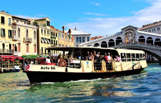 Стоимость билета на вапоретто в Венеции
