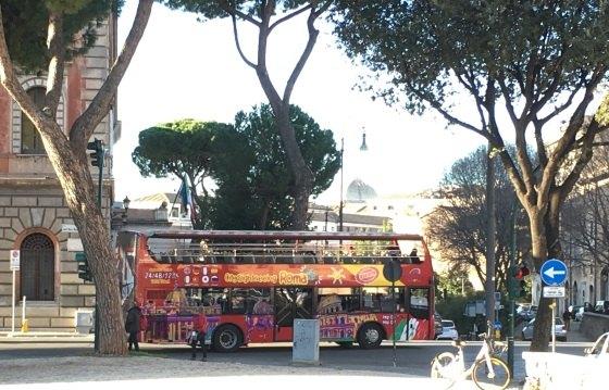 Экскурсионные автобусы в Риме