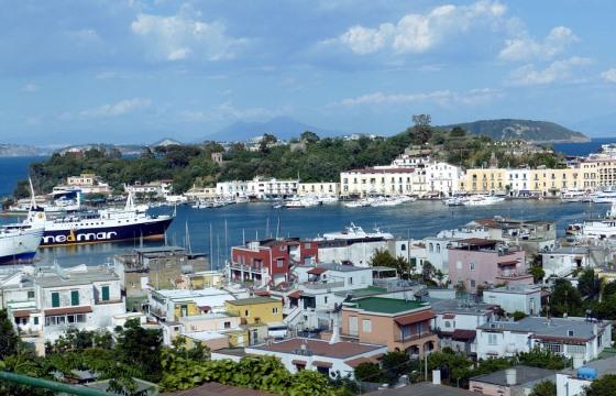 Из Неаполя на остров Искья на пароме