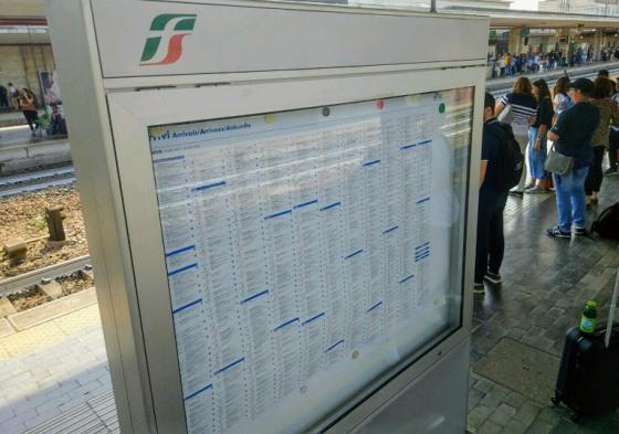 Расписание вокзала в Болонье